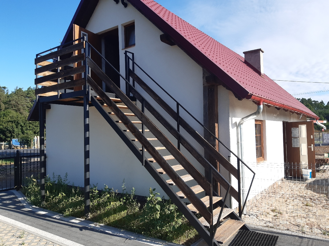 Piętro domu do wynajęcia z miejscem postojowym