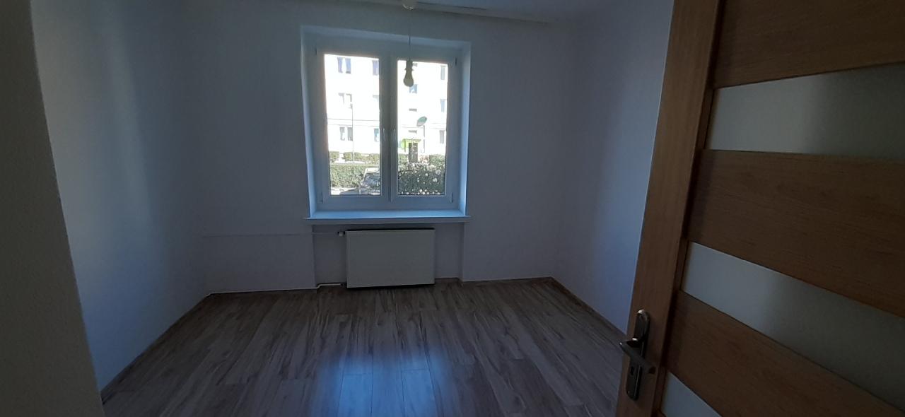 Mieszkanie po remoncie 48m2 parter, Tarpno z miejscem postojowym