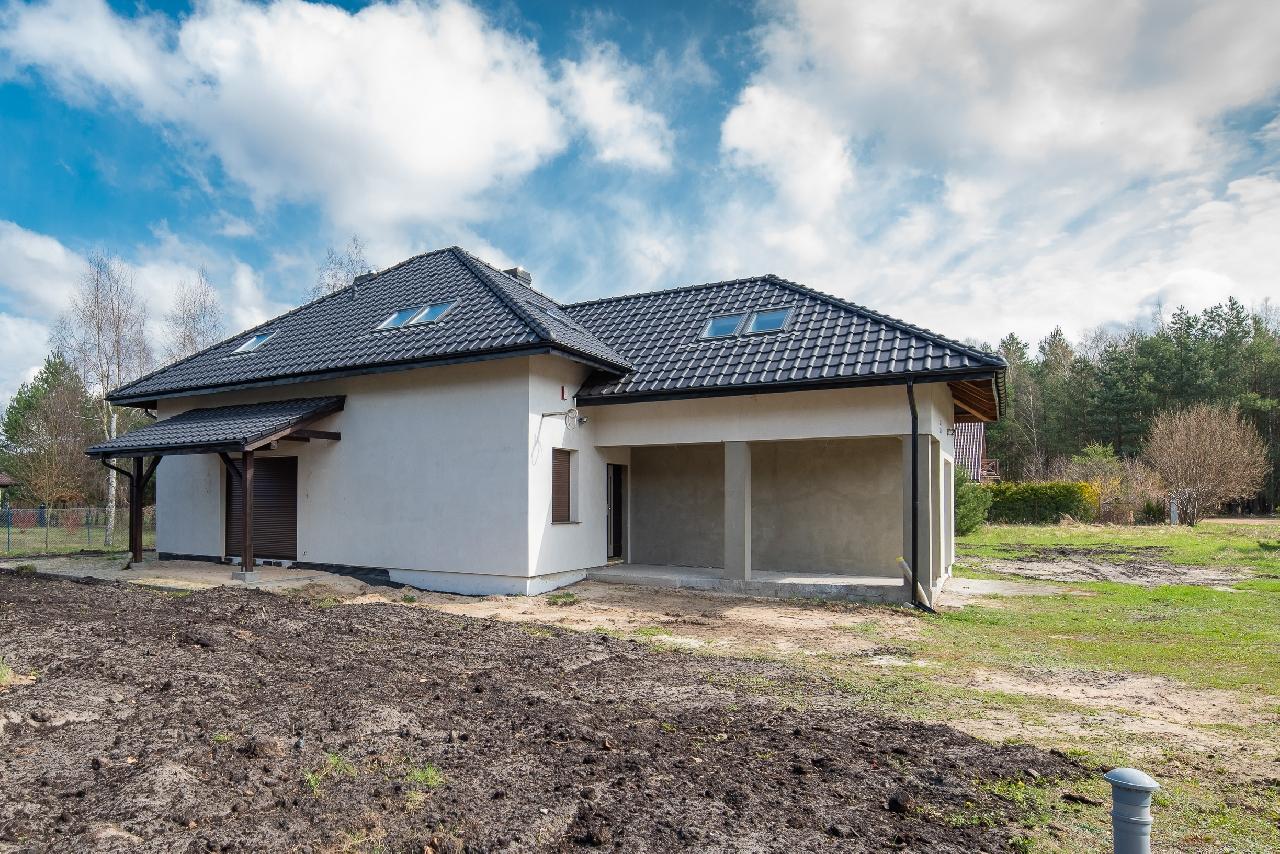 Piękny nowy dom w Białym Borze pod lasem