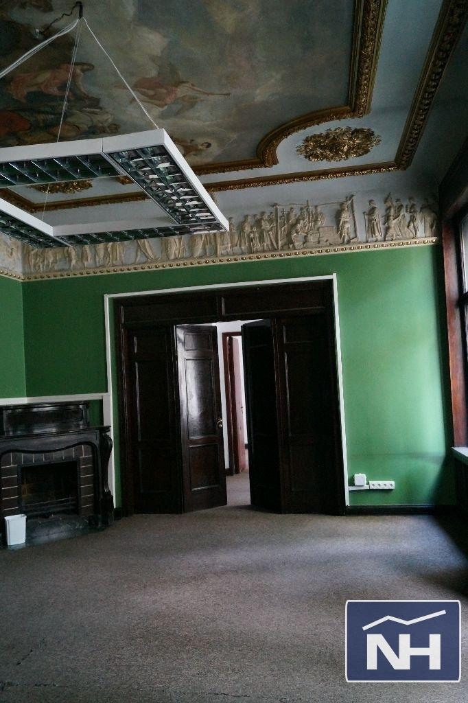 Zabytkowy pałac do wynajęcia