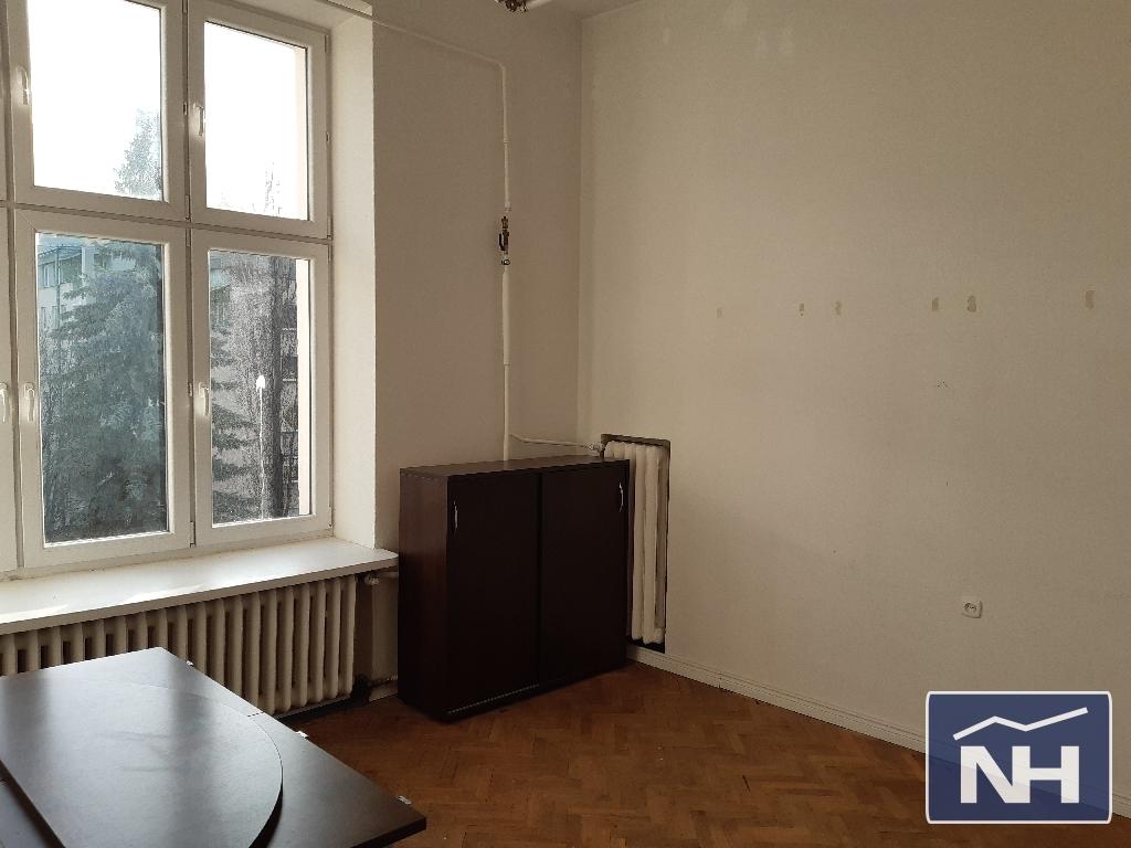 Lokal użytkowy pod biuro/kancelarię w Śródmieściu.